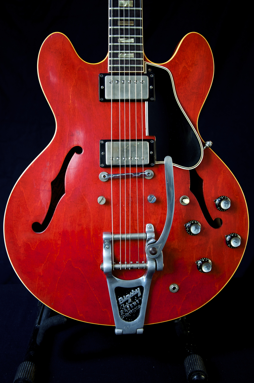 vintage 1964 gibson es 335 guitar cherry finish beautiful. Black Bedroom Furniture Sets. Home Design Ideas