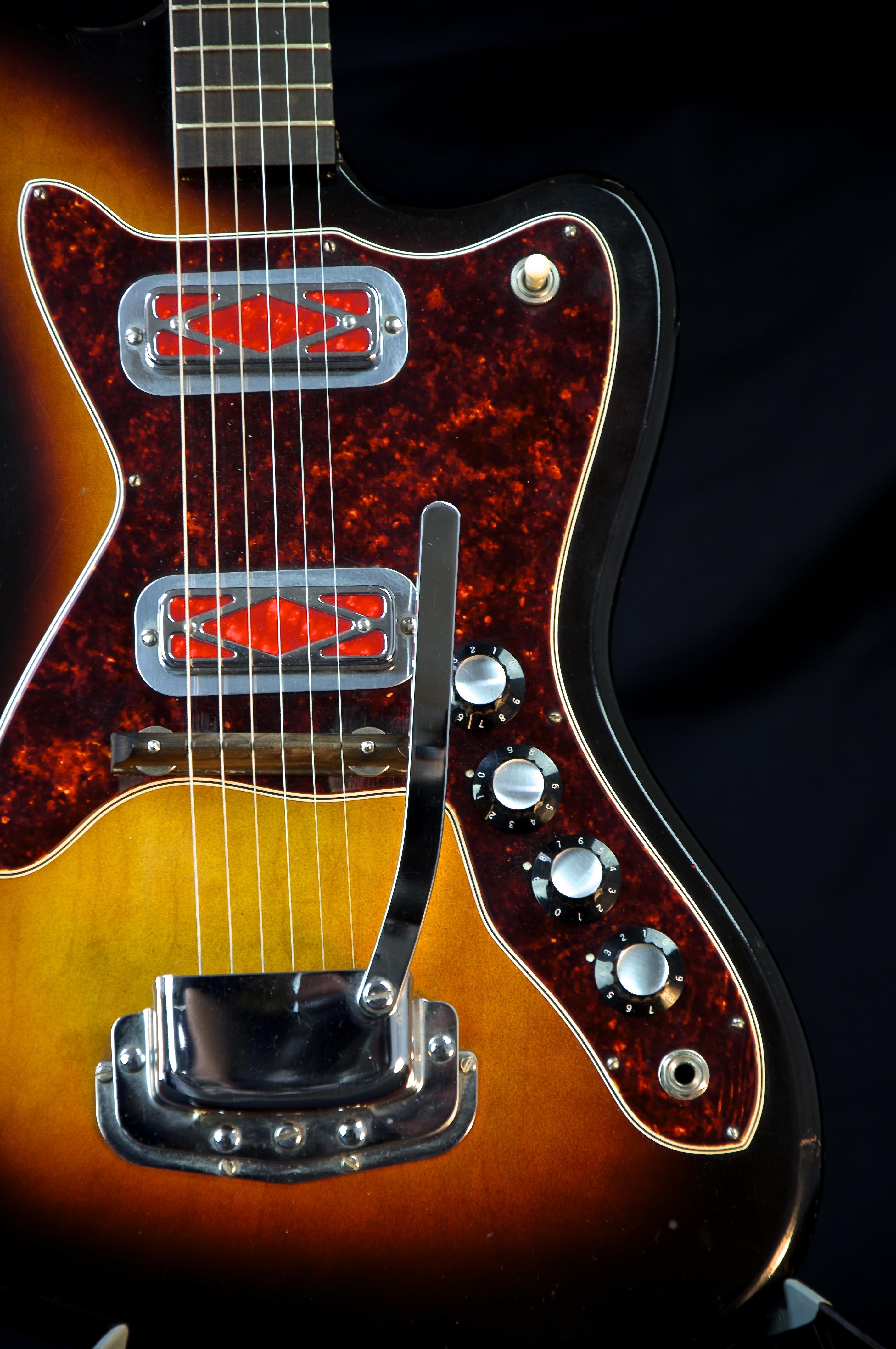 vintage harmony silhouette electric guitar grlc1223. Black Bedroom Furniture Sets. Home Design Ideas